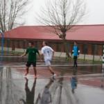 Aritz cubriendo a un jugador del New Team