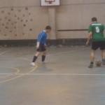 Arki trata de irse de un jugador de Uribe Kosta